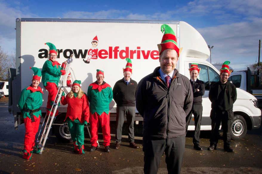 Elf-drive supports hospices at Christmas